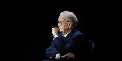 (Português) Assembleia Municipal de Viana aprova voto de pesar pelo falecimento do antigo Presidente da República Jorge Sampaio