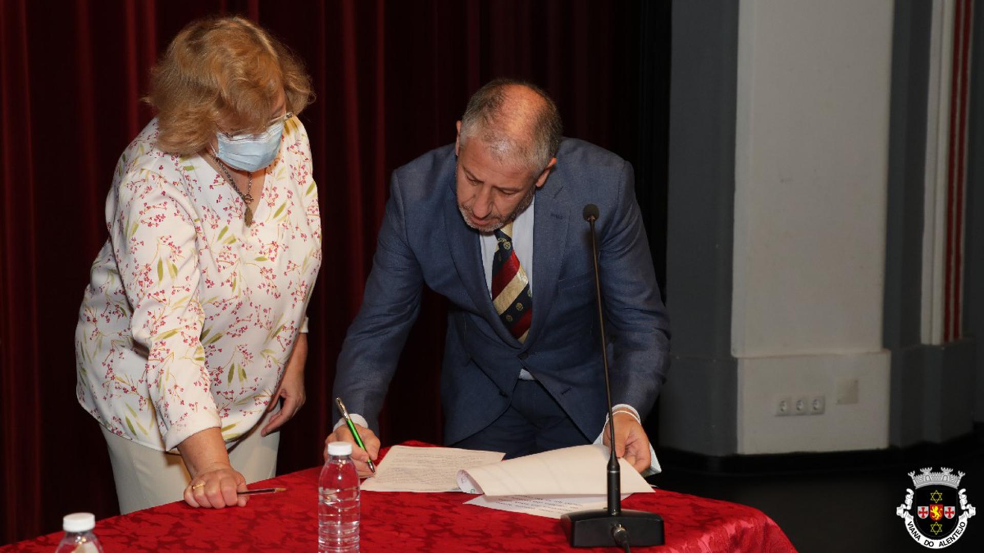 Luís Miguel Duarte tomou posse como presidente da Câmara Municipal de Viana do Alentejo